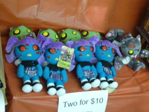 mezco toyz, mezco, mezco toyz warehouse sale