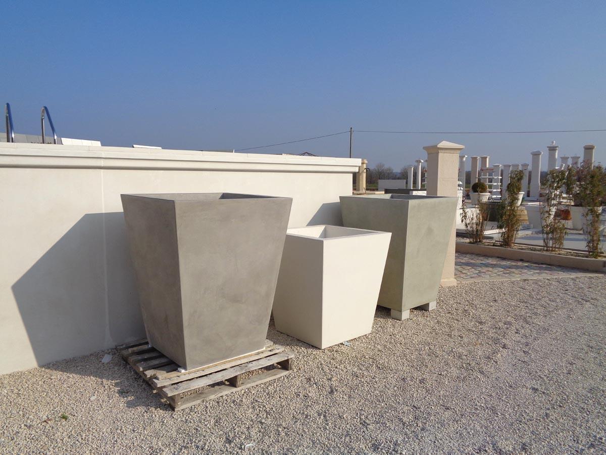grand pot carre en beton arme modele