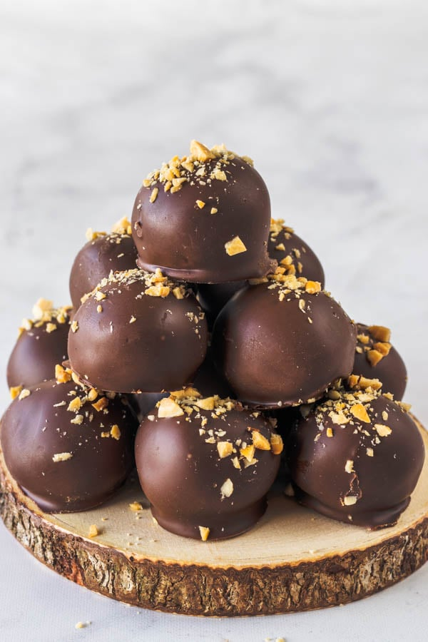 Chocolate Peanut Butter vegan truffles