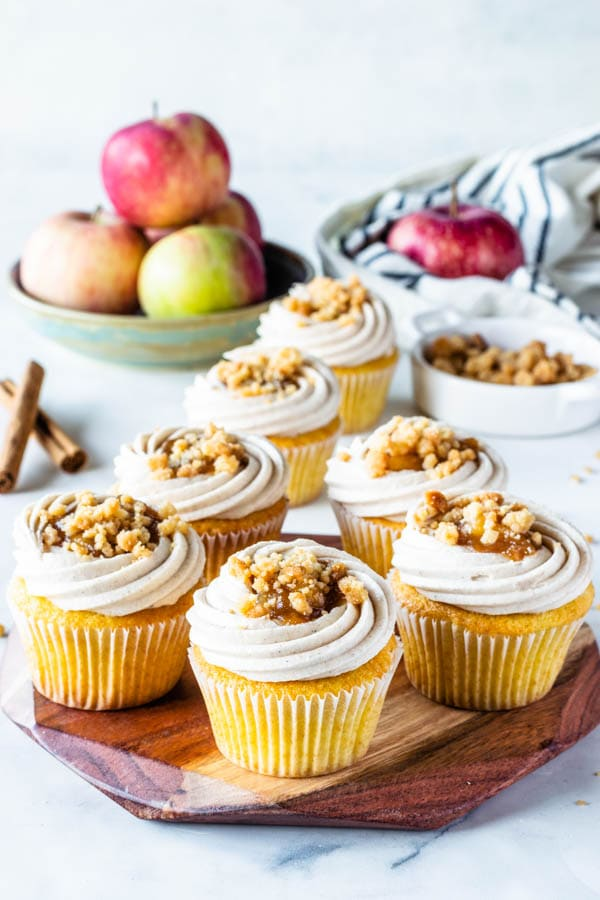 Apple Crisp Cupcakes with cinnamon cream cheese frosting, filled with apple pie filling