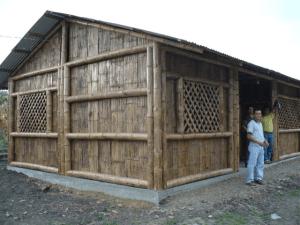La casa dei maestri costruita con l'aiuto degli amici di Pietre Vive