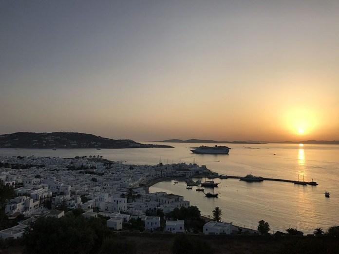 mykonos panorama