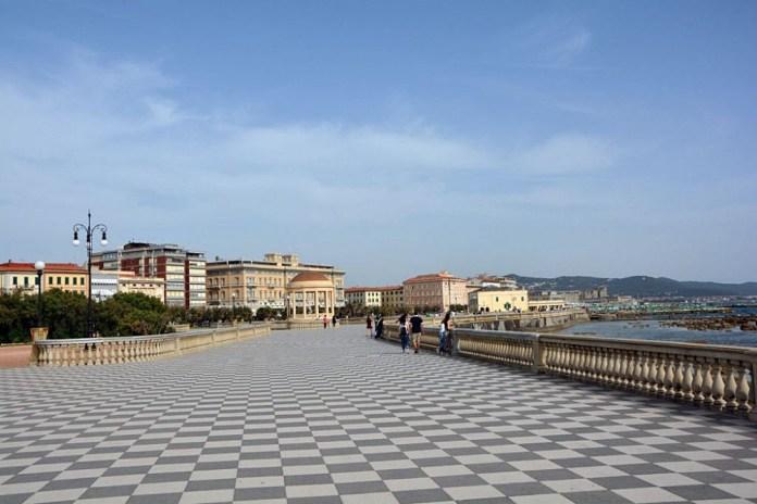 terrazza mascagni livorno mare