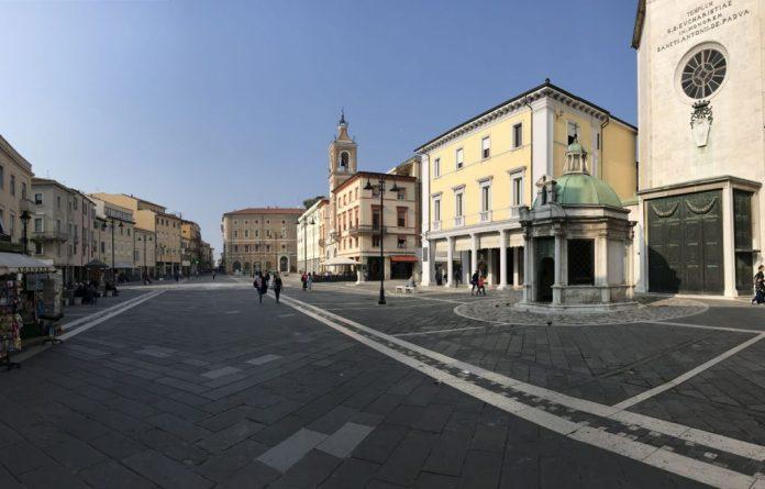 piazza tre martiri foro romano