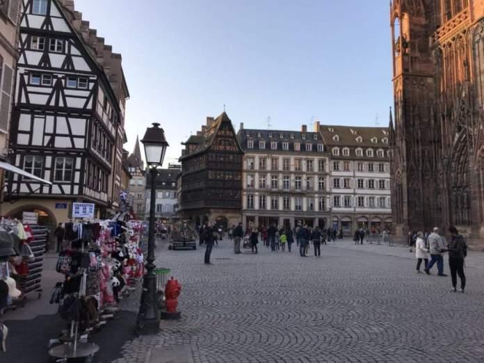 cosa vedere strasburgo un giorno piazza cattedrale
