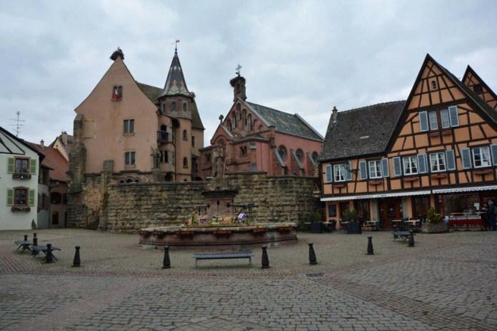 piazza castello eguisheim