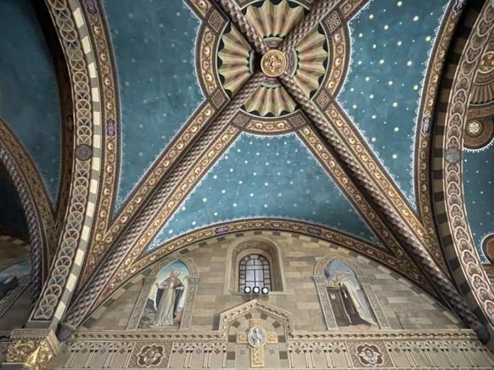 affreschi cattedrale bobbio duomo