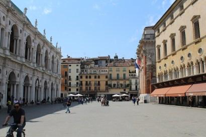 Piazza dei Signori con Basilica Palladiana e Monte di Pietà