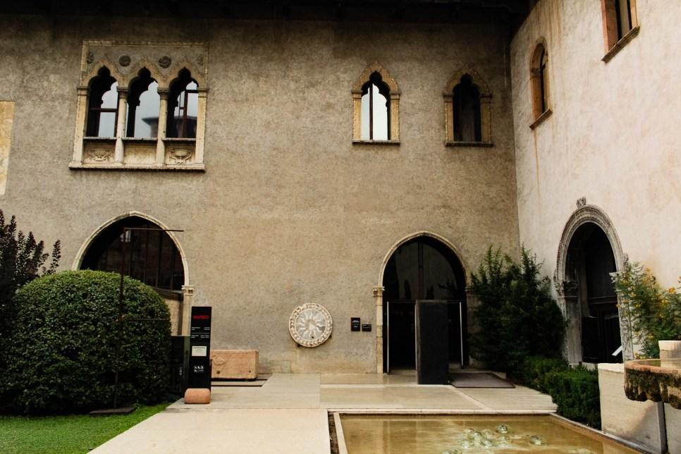 L'ingresso del museo di Castelvecchio