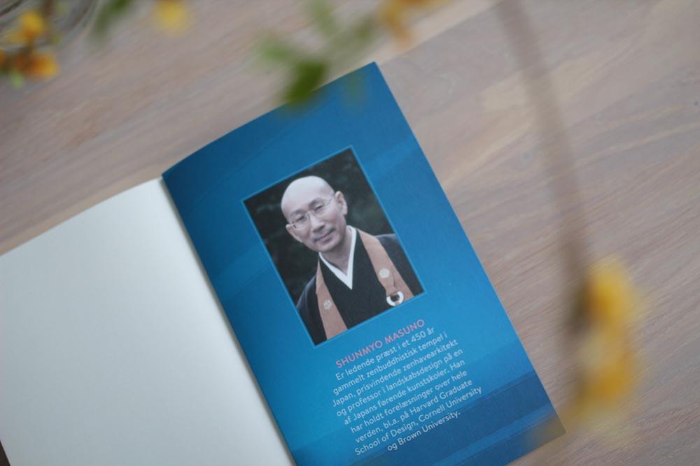 Omslag med beskrivelse af forfatteren Shunmyo Masuno