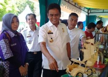 Ket: Bupati Barru Suardi Saleh pada acara Bursa Inovasi Desa, yang digelar di Baruga Singkeru Adae', Kecamatan Barru. Rabu. 13/12. (foto: Fandy/PIJAR)