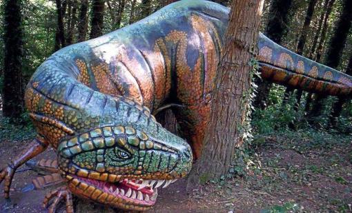Dinosaurios en El Karpin Abentura