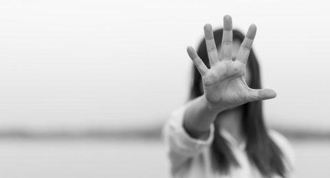 GWzTgK post 93479 ilustrasi kekerasan terhadap perempuan wanita stop kekerasan kasus kekerasan perempuan
