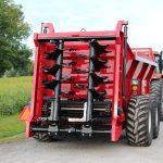 hydra-pull manure spreader