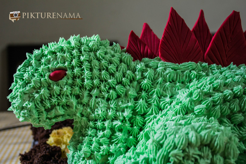 The face of the Dinosaur Cake by pikturenama