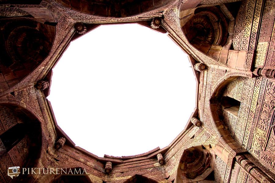 Qutub Minar and Qutub complex - 18