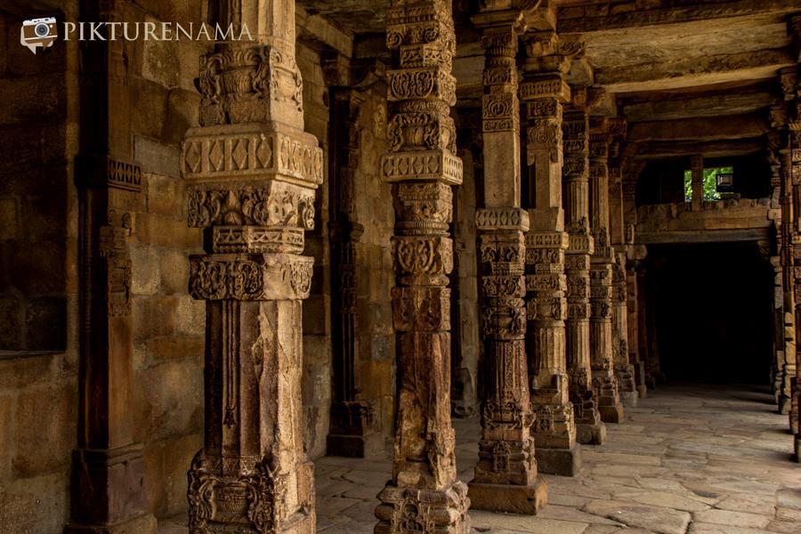 Pillar remains of hindu temples Qutub complex