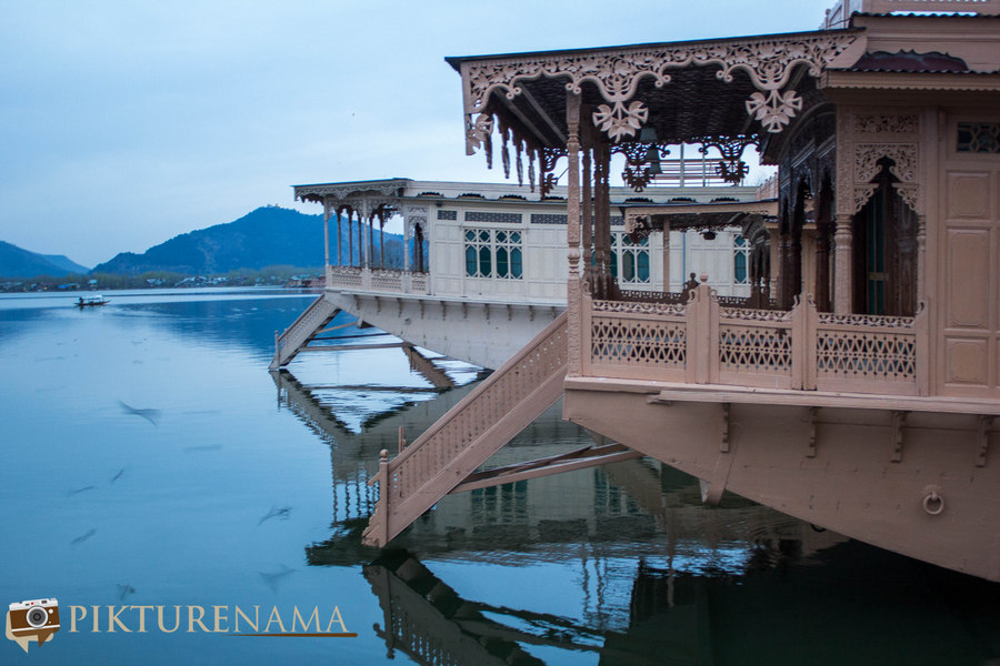 Is a stay at a Kashmir Houseboat overrated ?