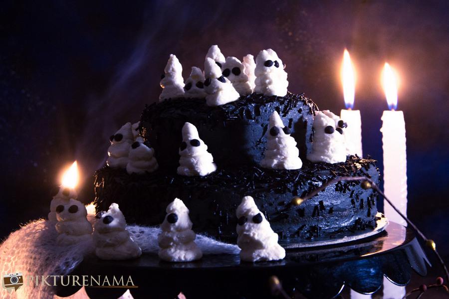 Halloween Ghost cake - 7