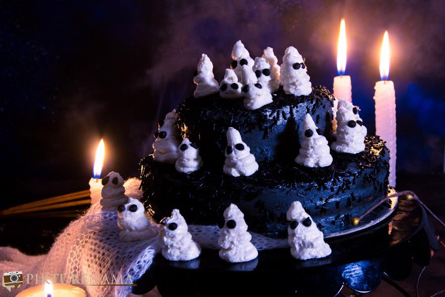 Halloween Ghost cake - 9