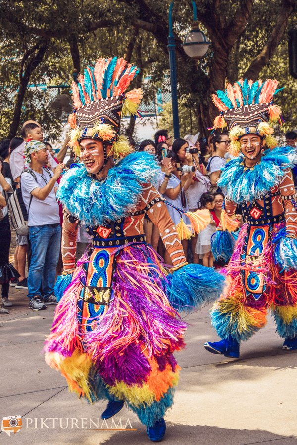 Flights of Fantasy in Hong Kong DIsneyland dancers
