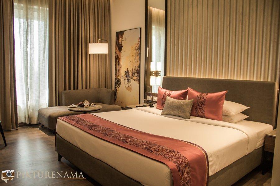 Vivanta Kolkata EM Bypass premium room 3