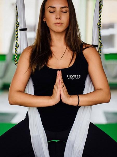 Clases de Hatha Yoga, Yoga aéreo y meditación.