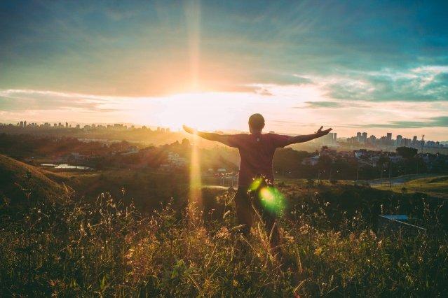 Kendimizi her ne kadar özgür zannetsek de birçok sebep bizi bu sonuçlara iter.