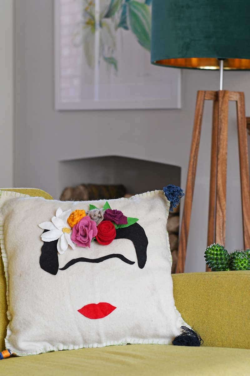 Sewing tutorial: Frida Kahlo pillow, with free pattern