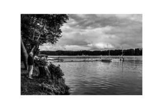 papier monochrome -au bord du lac
