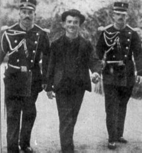 Luigi Lucheni subito dopo l'arresto