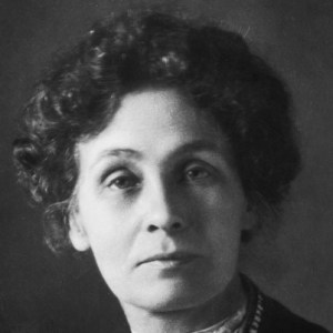 Il volto intenso e affascinante di Emmeline Pankhurst