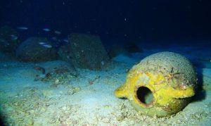 Anfore intorno al relitto fenicio ritrovato nelle acque maltesi