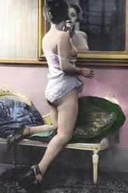 Bellezza femminile all'inizio del '900. La crema per il viso era spesso fatta in casa con ingredienti naturali, tra cui il cetriolo, rinfrescante e lenitivo