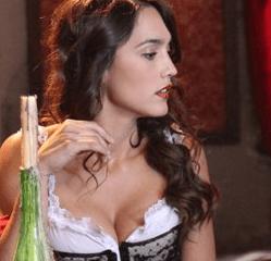 Megan Montaner Lola la Valenciana