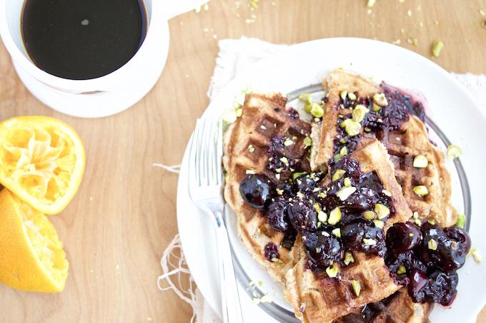 Waffles con chia y cereza