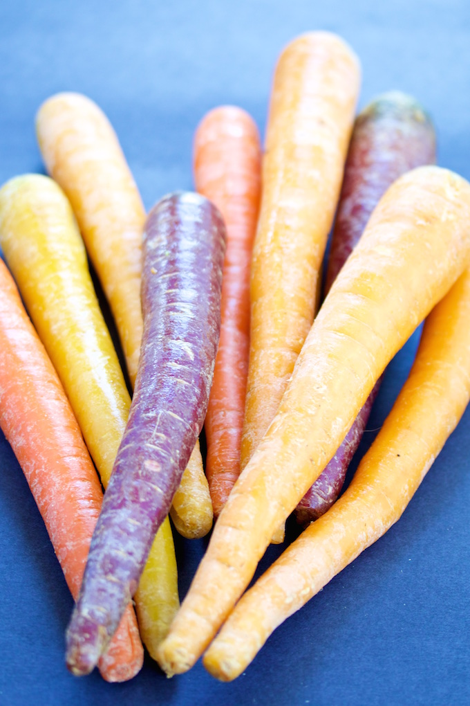 Zanahorias rostizadas con salsa verde