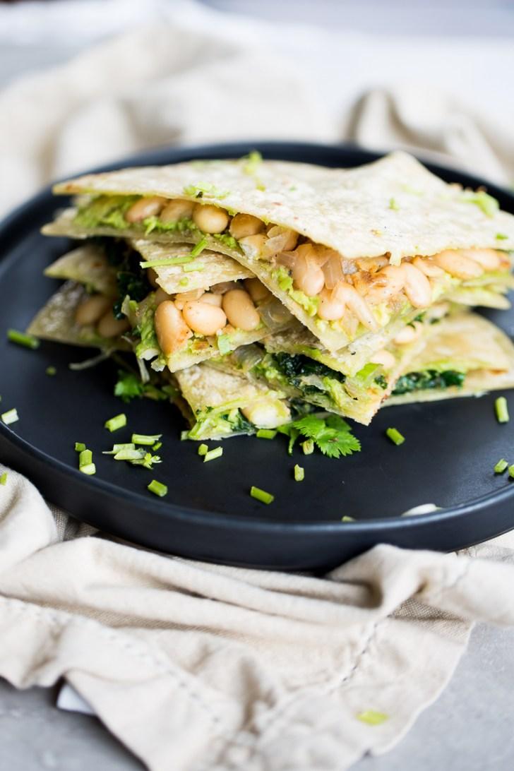 Quesadillas de frijol blanco y kale, son veganas