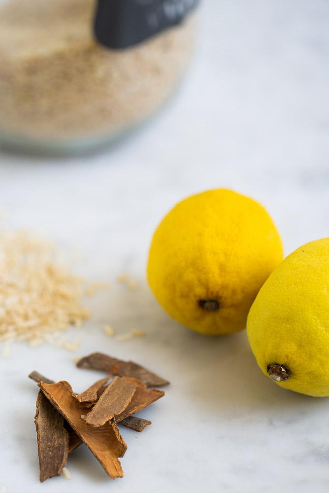 Limón y canela para hacer arroz con leche vegano