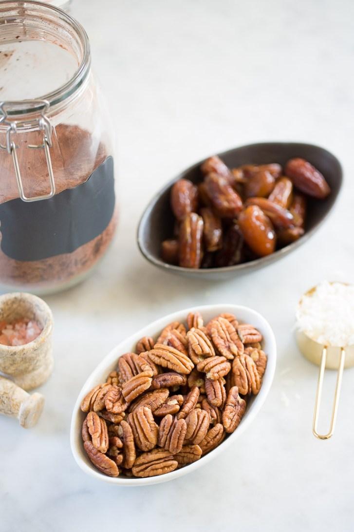 ingredients to make vegan truffes