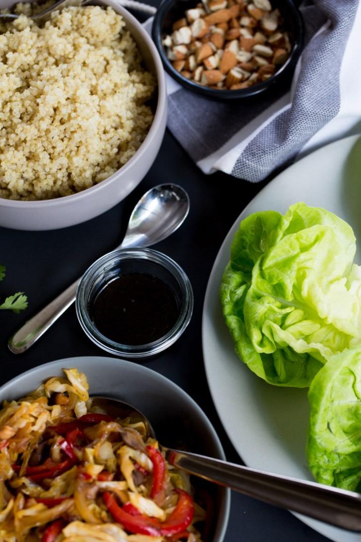 Receta de taquitos de lechuga chinos con quinoa. Receta vegana.