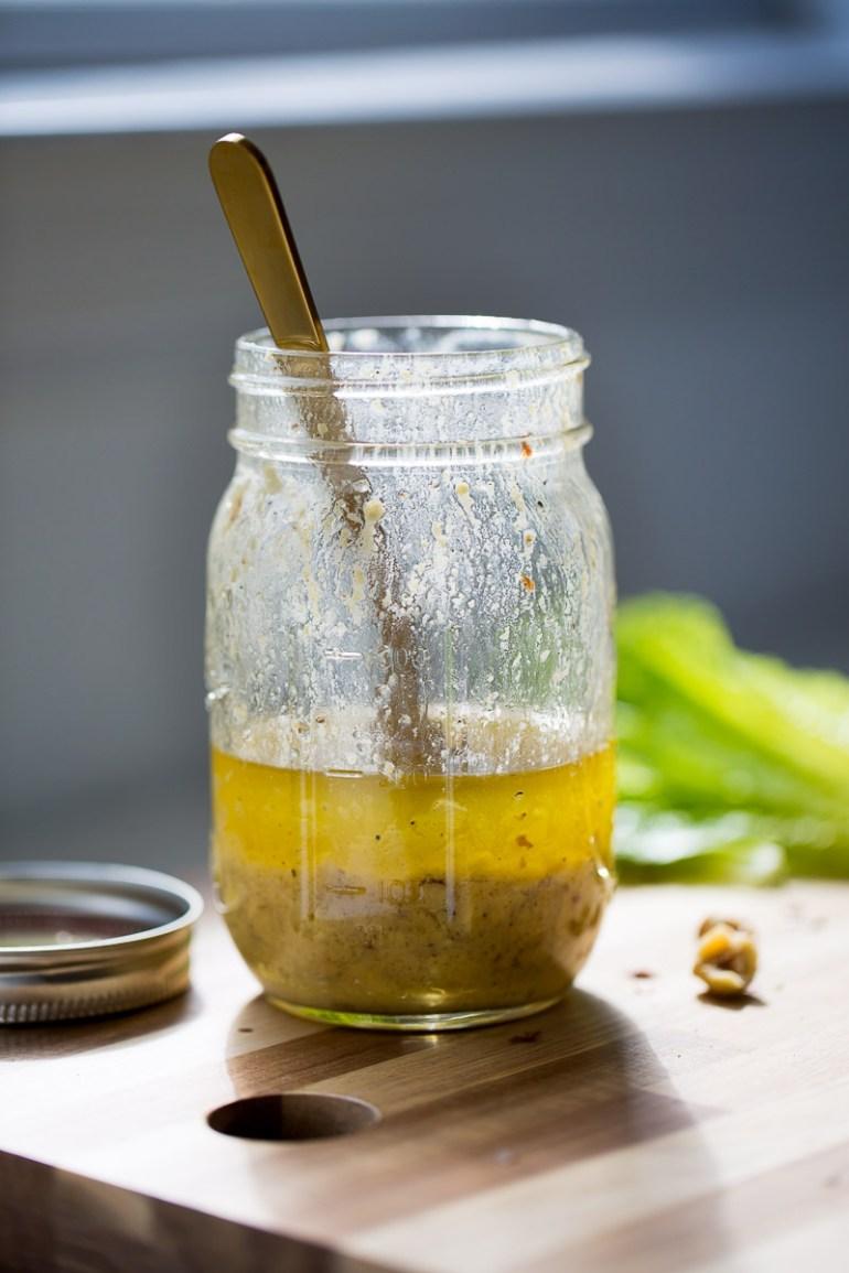 Vinagreta con avellanas para toda la semana.Receta de vinagreta simple, rápida y nutritiva.
