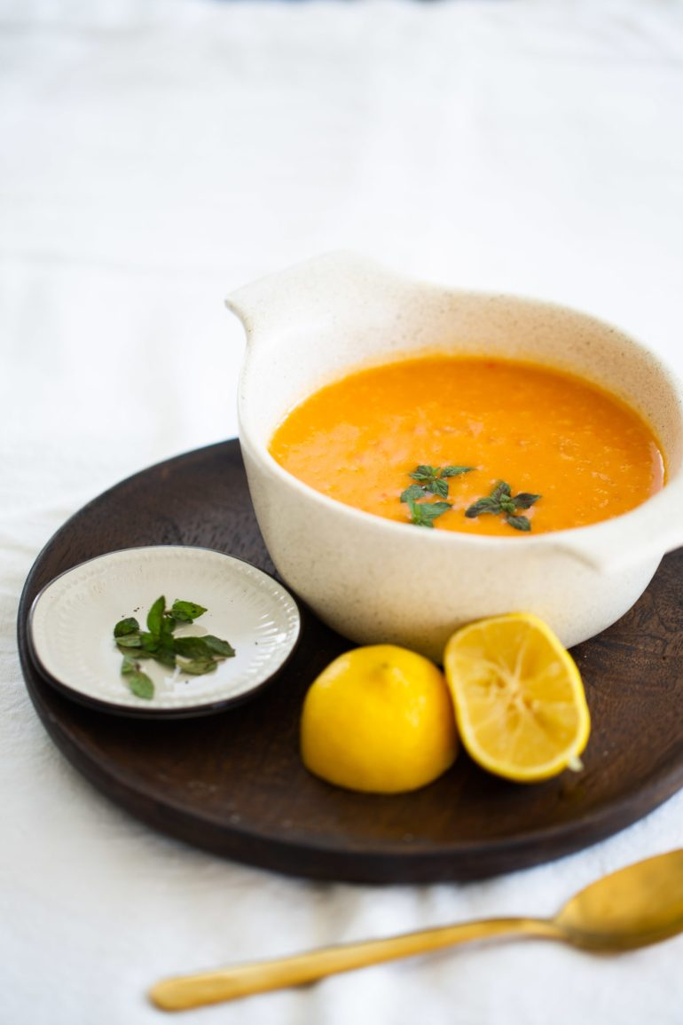 ROASTED RED BELL PEPPER AND POTATO SOUP WITH SPICES
