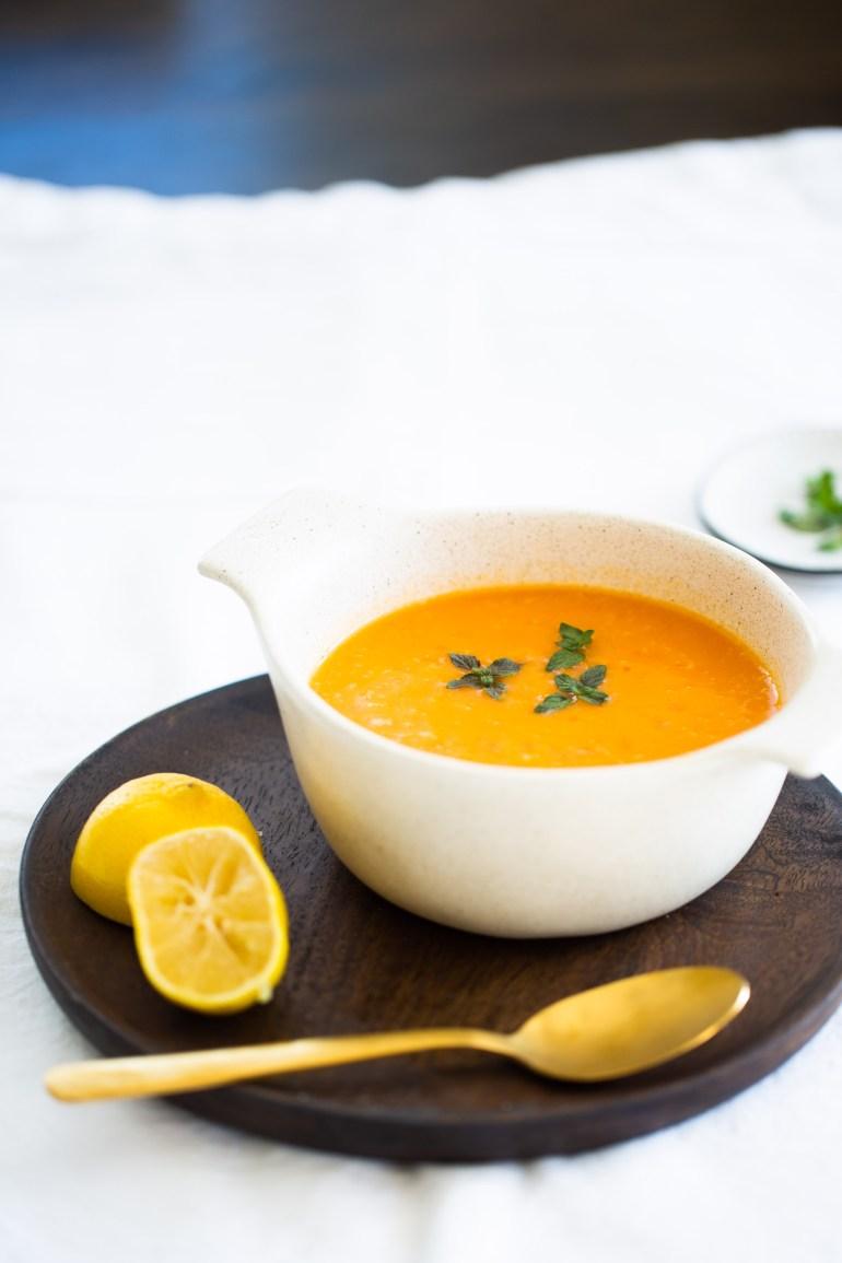 sopa de papa y pimiento con especias