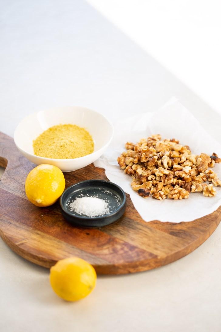 ingredientes para hacer queso parmesano vegano, nueces