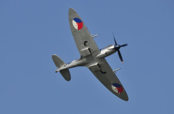 Spitfire van de SKHV in haar element.