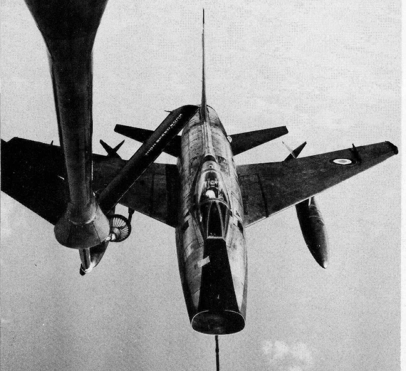 F-100D en RAVITO