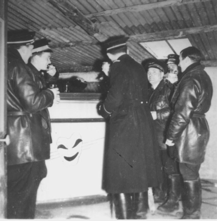 1939 au bar de l'escadrille