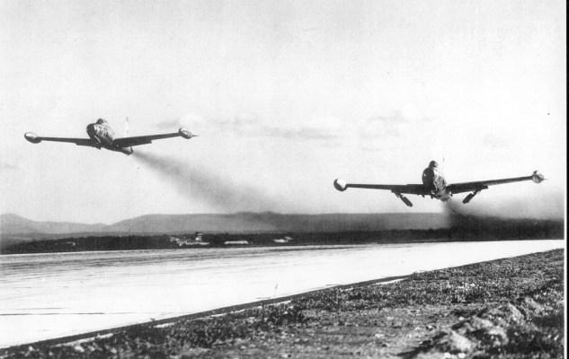 F 84 au décollage de Luxeuil