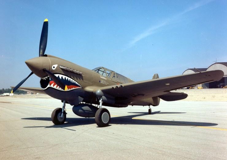 Curtiss P-40E
